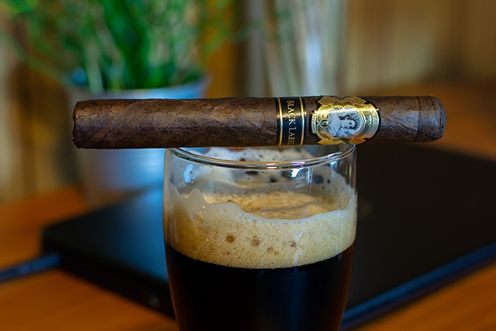 La Palina Black Label & Samuel Smiths Stout