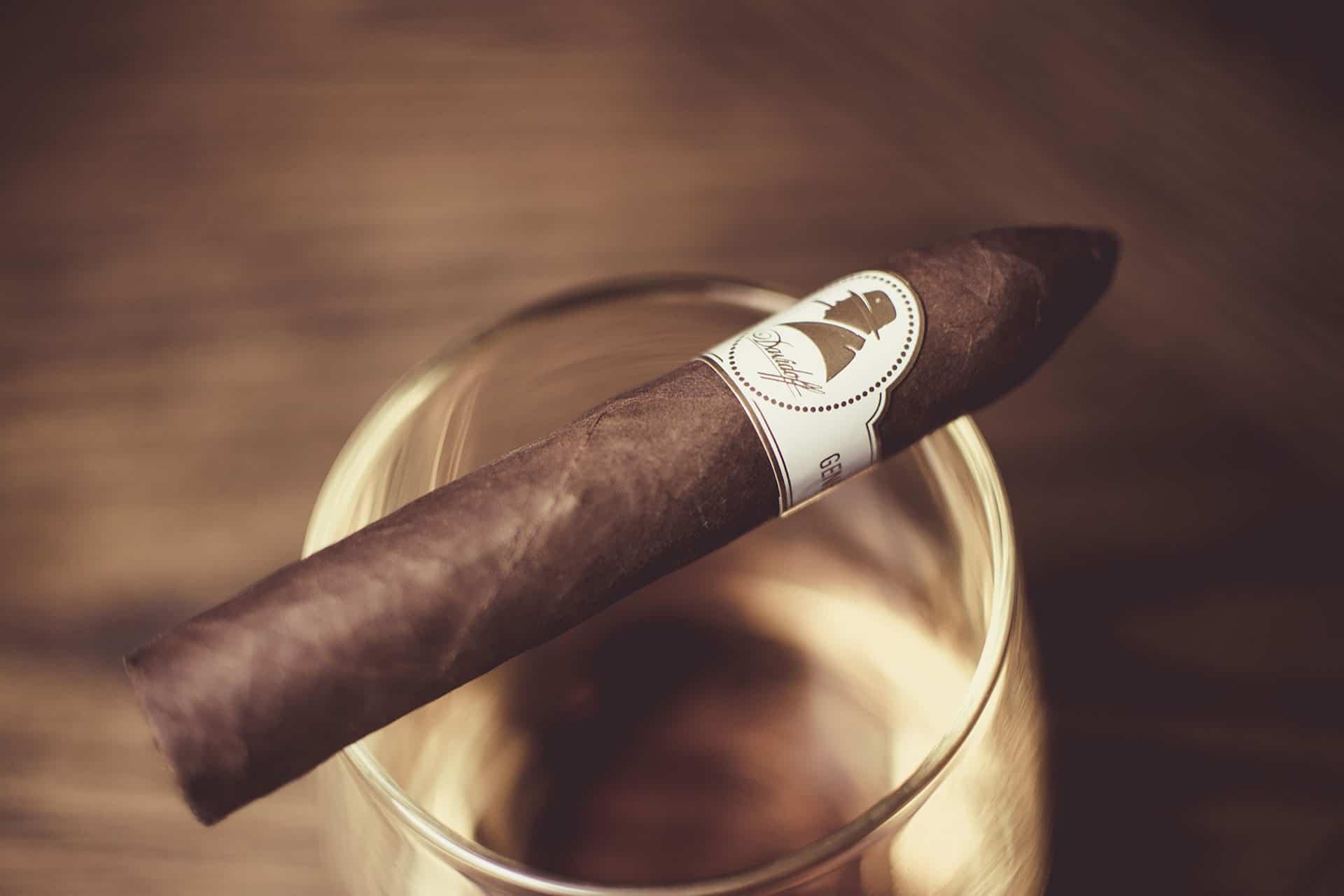 Davidoff Winston Churchill Belicoso Cigar Tin Presentation