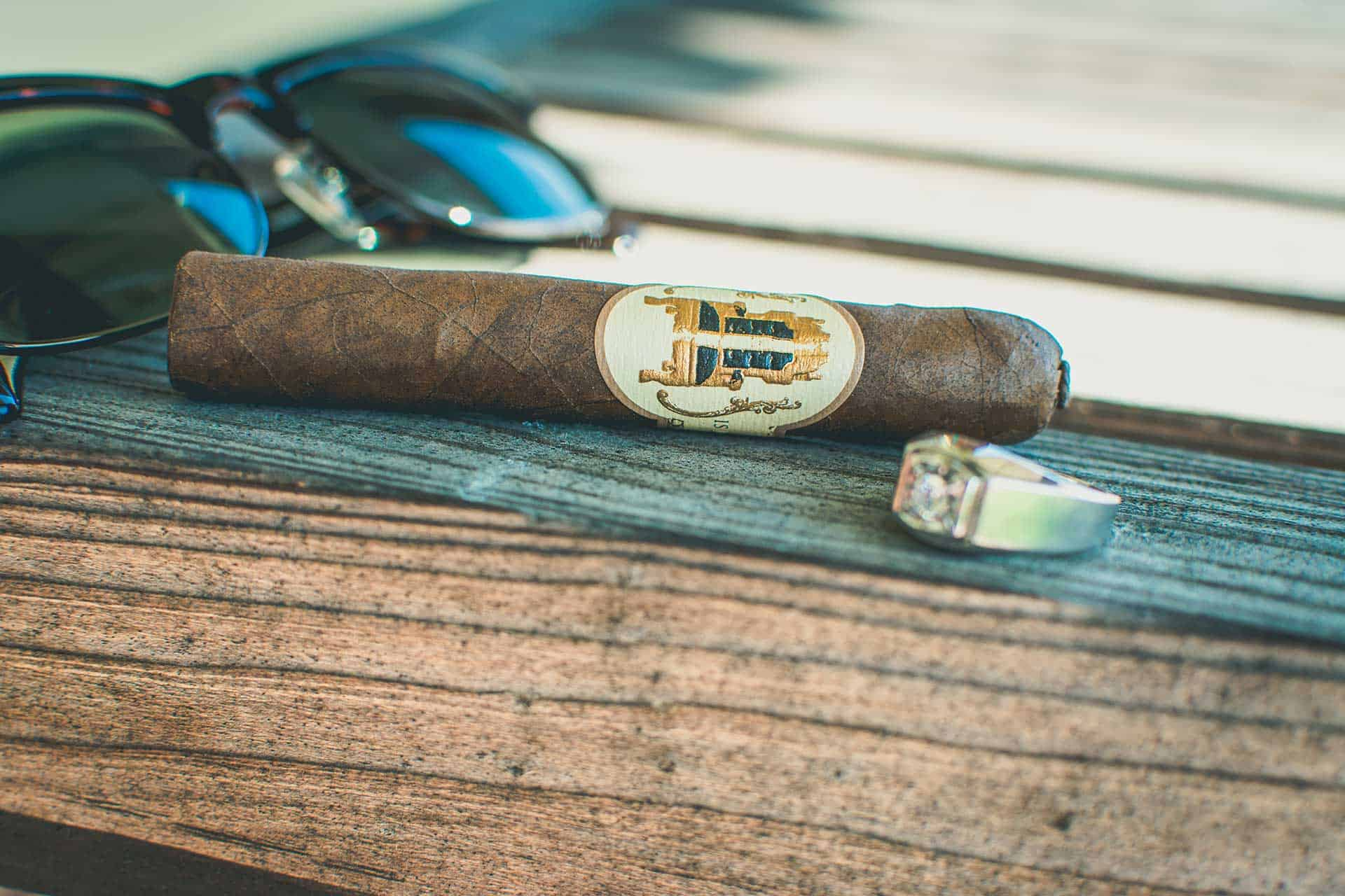 Caldwell Collection The King Is Dead Manzanita Petit Corona Review